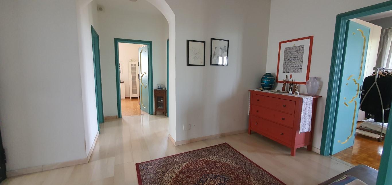 Casa in vendita panoramica nella langhe