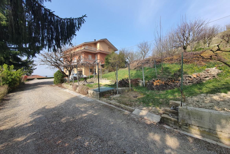 Case a Monforte d'Alba