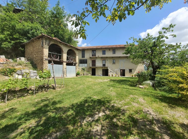 House For Sale in Langhe