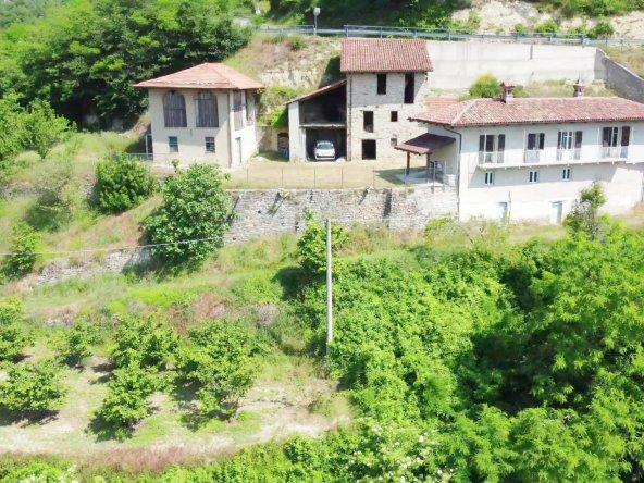 Case in vendita Langa