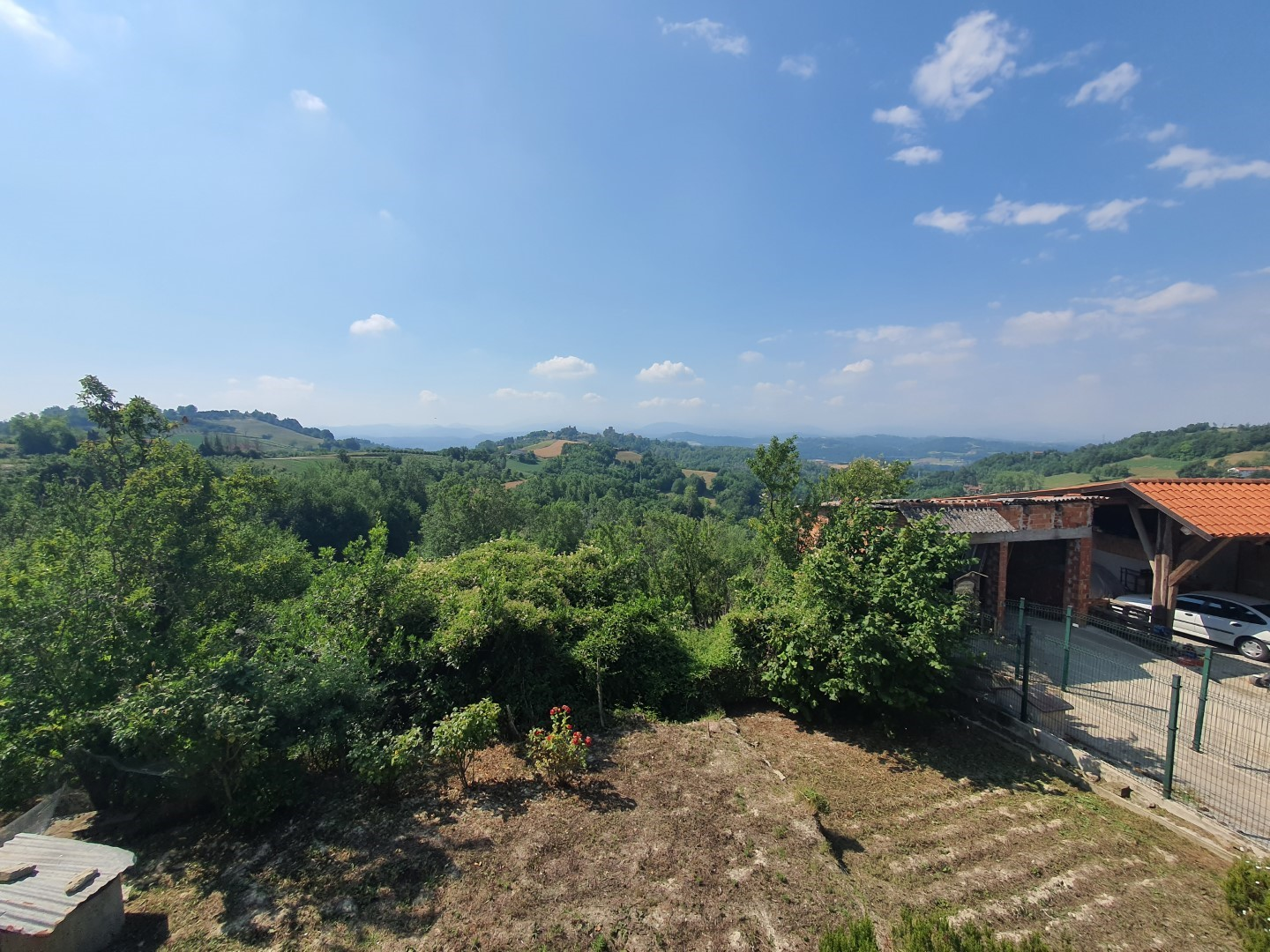 Cascinale Panoramico nelle Langhe