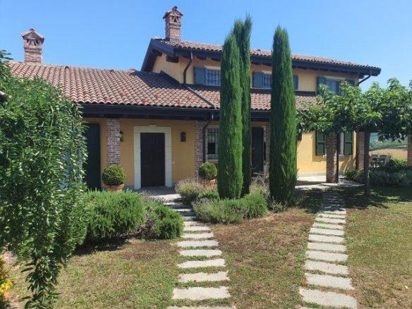 Lussuosa Villa Nelle Langhe
